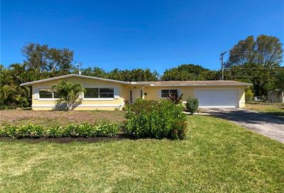 1041 N Town And River Dr Fort Myers FL 33919