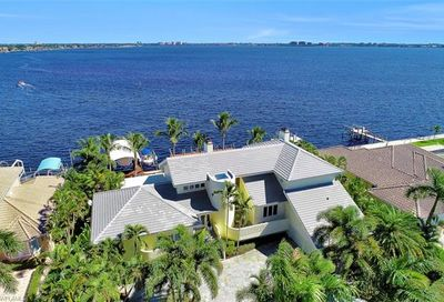 5813 SW 1st Ave Cape Coral FL 33914