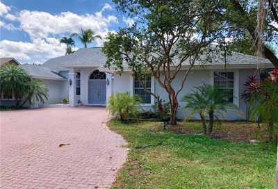 35 Timberland Cir N Fort Myers FL 33919