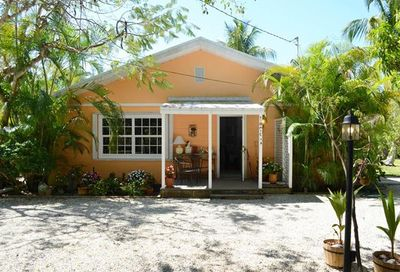 398 Old Trail Rd Sanibel FL 33957