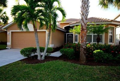 8363 Laurel Lakes Blvd Naples FL 34119