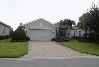 12613 Fairway Cove Ct Fort Myers FL 33905