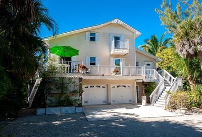 6447 Pine Ave Sanibel FL 33957