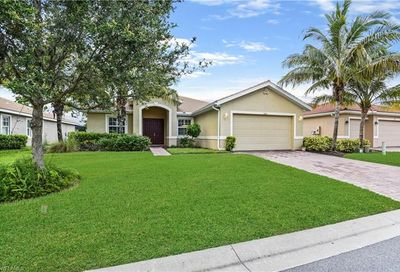 13201 Seaside Harbour Dr North Fort Myers FL 33903