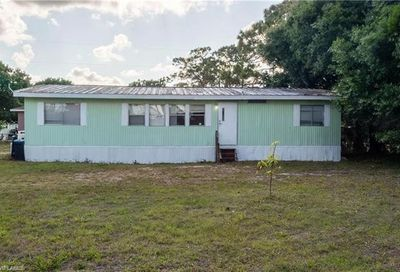 8290 Marx Dr North Fort Myers FL 33917