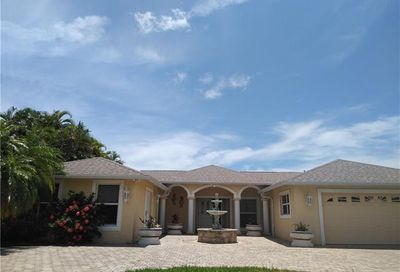 2726 SE 24th Pl Cape Coral FL 33904