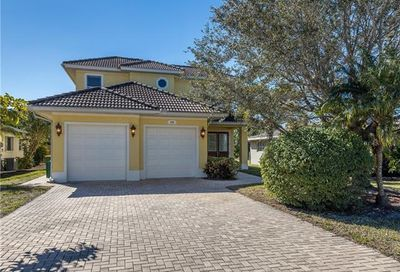578 106th Ave N Naples FL 34108