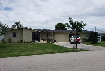 6738 Candlewood Dr Fort Myers FL 33919