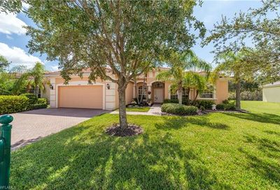 13081 Gray Heron Dr North Fort Myers FL 33903