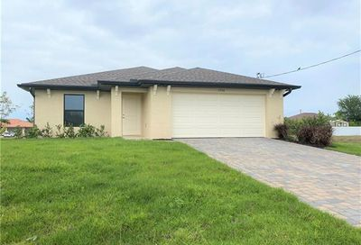 1330 NE 6th Pl Cape Coral FL 33909