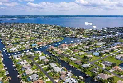 2507 SE 22nd Pl Cape Coral FL 33904