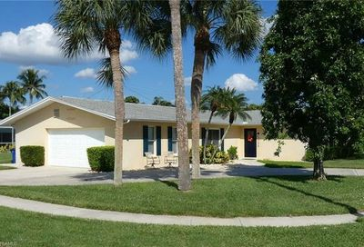 1726 Lakeview Ter North Fort Myers FL 33903