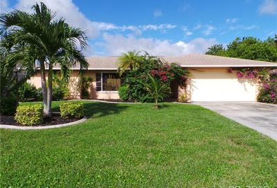 2223 Everest Pky Cape Coral FL 33904