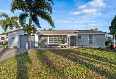 4338 S Pacific Cir North Fort Myers FL 33903