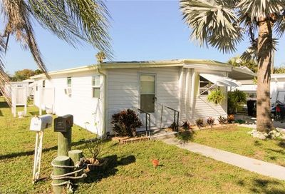 131 Amber Ave North Fort Myers FL 33917