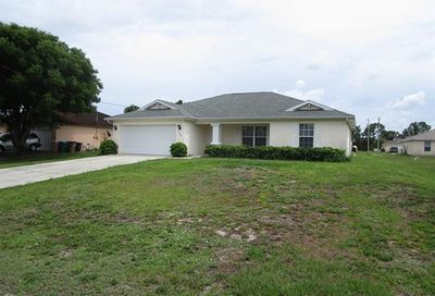 1516 NE 35th Ter Cape Coral FL 33909