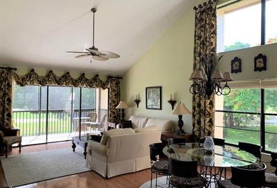 16472 Timberlakes Dr 204 Fort Myers FL 33908