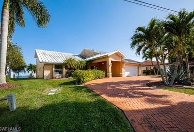 3131 SE 22nd Pl Cape Coral FL 33904