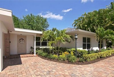 6806 Hibiscus Ln Fort Myers FL 33919