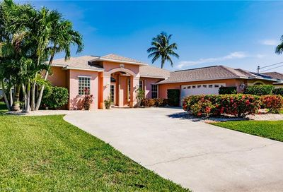 2205 SE 27th Ter Cape Coral FL 33904