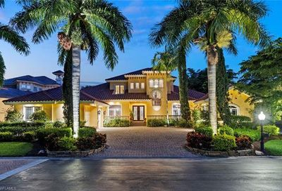 11371 Compass Point Dr Fort Myers FL 33908