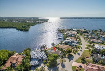 818 Cal Cove Dr Fort Myers FL 33919