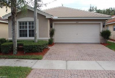 1607 Triangle Palm Ter Naples FL 34119