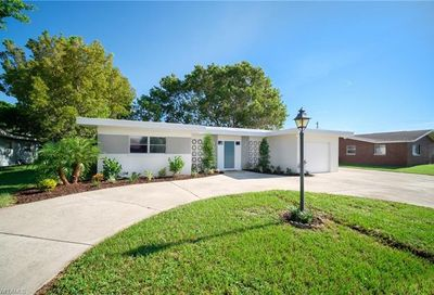 1692 Lakeside Ter North Fort Myers FL 33903