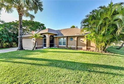 1613 NW 5th St Cape Coral FL 33993