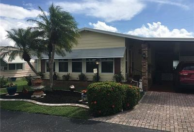 9233 Caloosa Dr North Fort Myers FL 33903