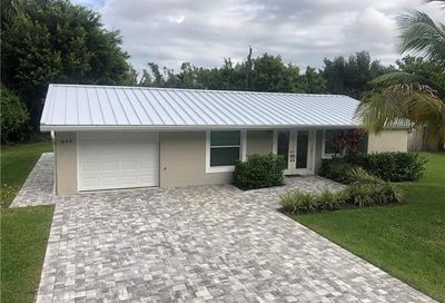 899 Dean Way Fort Myers FL 33919