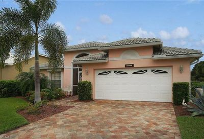 9231 Old Hickory Cir Fort Myers FL 33912