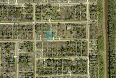 1239 Count St E Lehigh Acres FL 33974