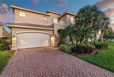 10118 Mimosa Silk Dr Fort Myers FL 33913