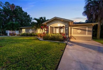 1362 Miracle Ln Fort Myers FL 33901