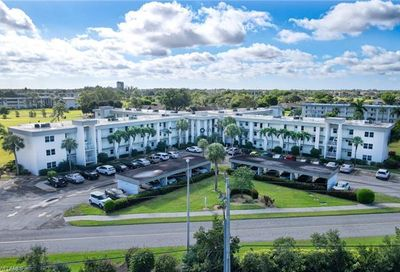 1724 Pine Valley Dr 203 Fort Myers FL 33907