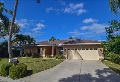 9698 Galley Ct Fort Myers FL 33919