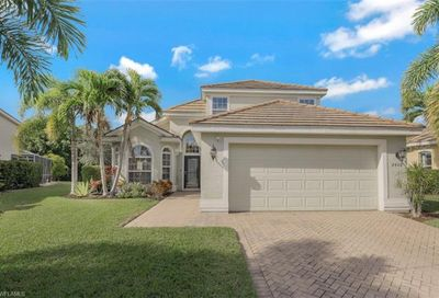 2460 Blackburn Cir Cape Coral FL 33991