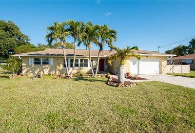 1648 Swan Ter North Fort Myers FL 33903