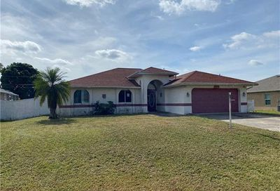 1214 SW 14th Ter Cape Coral FL 33991