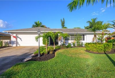 5258 Selby Dr Fort Myers FL 33919