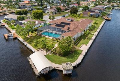 1943 SE 32nd St Cape Coral FL 33904