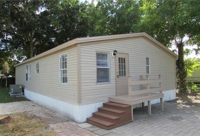 7901 Marx Dr North Fort Myers FL 33917