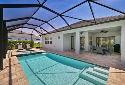 13749 Woodhaven Cir Fort Myers FL 33905