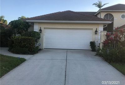 2152 Paget Cir 1.42 Naples FL 34112