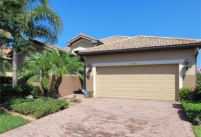 12195 Country Day Cir Fort Myers FL 33913