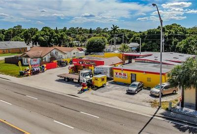 1517 N Tamiami Trl North Fort Myers FL 33903