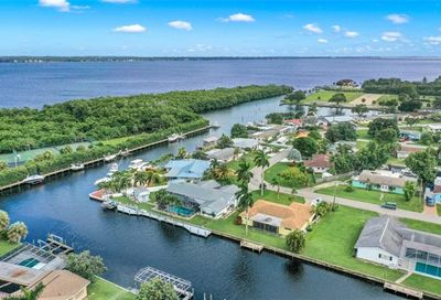 4370 Harbour Ter North Fort Myers FL 33903