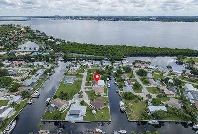 4377 Harbour Ter North Fort Myers FL 33903