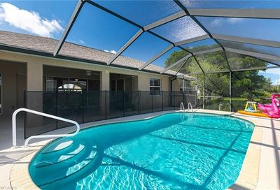 1427 SW 2nd St Cape Coral FL 33991